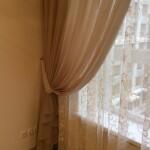 В гостиной нами были выбраны стачные портьеры из ткани высокого качества