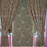 Рулонные шторы без сверления с ламбрекеном на балконную дверь