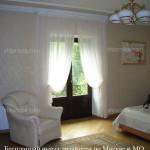 Светлые классические шторы для спальни